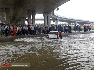 عکس/ سقوط ال90 داخل کانال آب