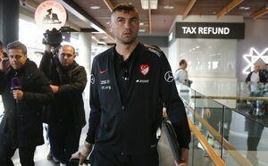 بیاحترامی به ستارههای ترکیه در فرودگاه ایسلند