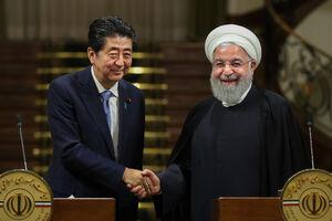 عکس/ کنفرانس مطبوعاتی روحانی با شینزو آبه