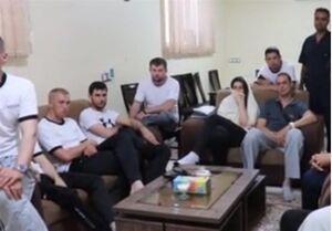 فیلم/ خدمه نجات یافته کشتی حادثه دیده  در دریای عمان