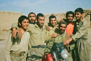 امام جمعه شهید کازرون در جبهه +عکس
