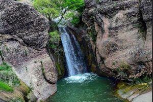 عکس/ آبشار زیبای مخمل کوه