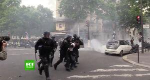 """فیلم/ حضور""""جلیقهسیاهها""""در خیابانهای پاریس"""