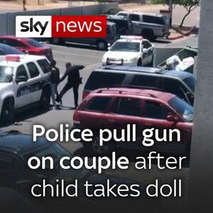 نمونه رفتار پلیس مهربان آمریکایی با مردم +فیلم