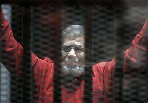 «محمد مرسی» در دادگاه درگذشت