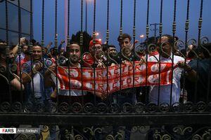 عکس/ شور و شوق هواداران تراکتورسازی برای استقبال از دنیزلی