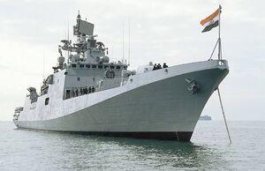 هند دو کشتی جنگی به تنگه هرمز می فرستد