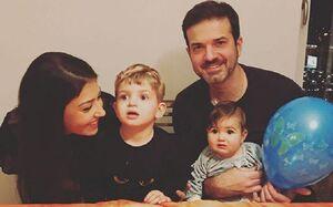 همسر و فرزندان استراماچونی در انتظار حضور در تهران