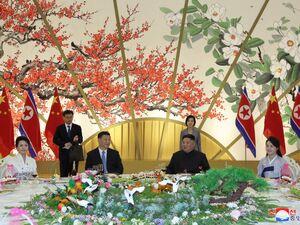 عکس/ حاشیه های سفر رئیس جمهور چین به کره شمالی