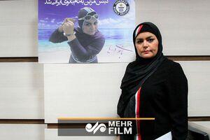 بانوی ایرانی رکورددار شنای دستبسته شد +فیلم