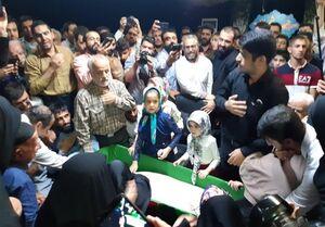 وداع مردم تهران با پیکر شهید عشریه +عکس