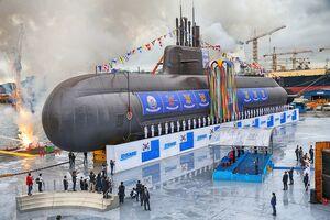 زیردریایی جدید کره جنوبی به دریا رفت+عکس