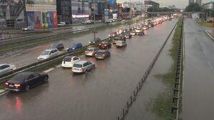 عکس/ خیابانهای «بلگراد» زیر آب رفت