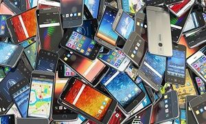 بازار در انتظار واردات ۶۰۰ هزار تلفن همراه/ کاهش قیمت در صورت تامین سهم بازار