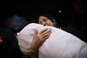 عکس/ مادری که پس از ۳۱ سال پسرش را به آغوش کشید