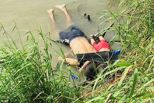 عکس/ مرگ دلخراش پدر و فرزند السالوادوری در مرز آمریکا