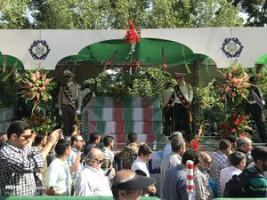فیلم/ آغاز مراسم تشییع پیکر ۱۵۰ شهید دفاع مقدس