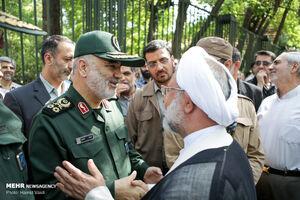 عکس/ فرمانده کل سپاه در مراسم تشییع شهدای دفاع مقدس