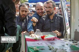 عکس/ تشییع پیکر دو شهید تازه تفحصشده در رشت