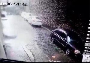فیلم/ مدفون شدن یک خودرو زیر آوار!