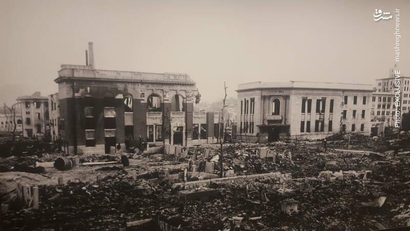 ساختمانهای اداری (شهرداری)و بانک هیروشیما که به دلیل سازههای بتنی، بطور کامل نسوخته است.