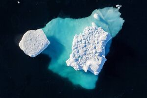 عکس/ ذوب شدن قطب شمال