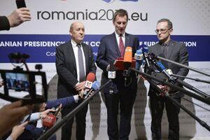 رویترز: تروئیکای اروپائی فعلاً مکانیسم ماشه را فعال نمیکند