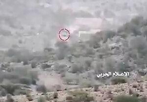 فیلم/ لحظه انهدام دو خودروی نظامی سعودیها در یمن