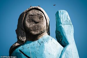 عکس/ مجسمه ترسناک ملانیا ترامپ