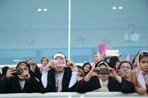 پیام 25 هزار دختر محجبه به مسیح علینژاد +عکس