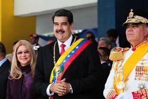 عکس/ رژه نیروهای مسلح ونزوئلا در حضور «مادورو»