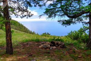 عکس/ جزیرهای زیبا در دریاچه بایکال روسیه