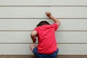 اختلالی که کودکتان را ساکت و گوشهگیر میکند