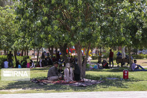 عکس/ مردم مسجدسلیمانی به پارکها پناهبردند