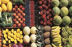 مقاومت مغازه داران برای کاهش قیمت میوه +جدول