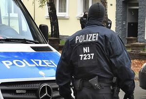 فیلم/ شگرد زانو روی گردن اینبار توسط پلیس آلمان!