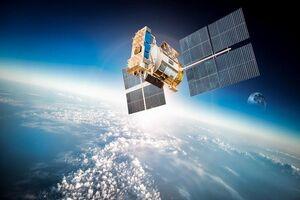یک زن مدیر پروژه ماهواره ای ناهید 1 است