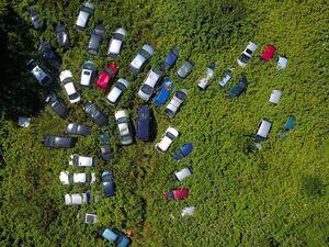 تصویرهوایی جالب از خودروهای اسقاطی