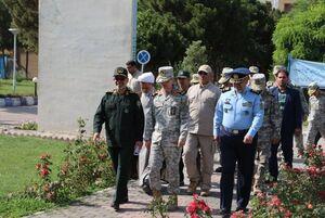 بازدید سرلشکر باقری از نمایشگاه وزارت دفاع