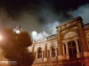 عکس/ آتشسوزی انبار کالا در میدان حسنآباد