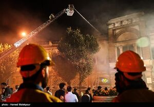 آتشنشانی ایستگاه حسنآباد چرا از ماجرای حریق انبار باخبر نشد؟