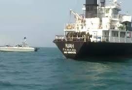 فیلم/ نمای دیگر از لحظه توقیف کشتی حامل سوخت قاچاق