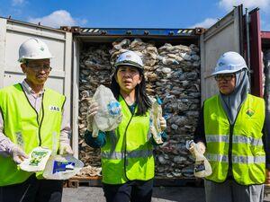 عکس/ بازگرداندن زبالهها به آمریکا!