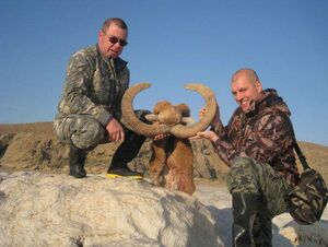 سازمان محیط زیست با شکارچی خارجی مردم ایران را تحقیر کرد+ فیلم