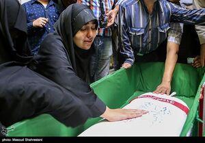عکس/ مراسم وداع با پیکرمطهر شهید حسین ادبیان