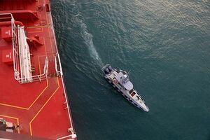 عکس/ کشتی انگلیسی توقیف شد