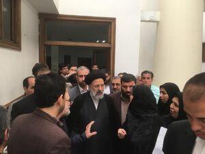 فیلم/ بازدید سرزده حجت الاسلام رئیسی از دادسرای مشهد