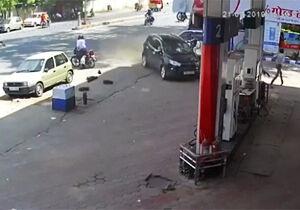 فیلم/ تصادف وحشتناک ماشین شاسی بلند با پمپ گاز!