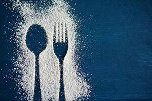 چگونه میل به شیرینی را کم کنیم؟