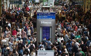عکس/ سرگردانی هزاران مسافر در فرودگاههای انگلیس